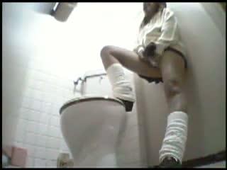 【素人】トイレの個室を、オナニーのために利用するいけない女子校生を隠し撮り
