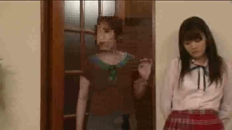 【痴女制服JK】SEXに興味津々なJKが家庭教師の先生...
