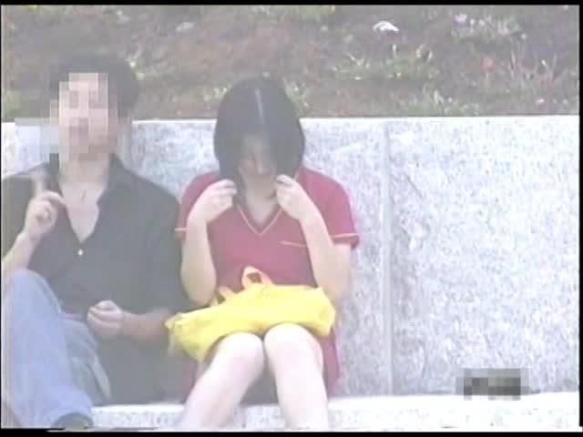 <パンツちら無断撮影画像>魅惑のデルタゾーンVol2私服編3